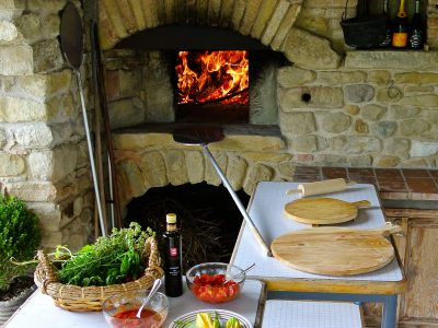 Pizza Wood Oven of the Villa The Stables