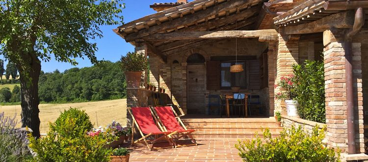 The White Mulberry Tree apt. patio and private terrace